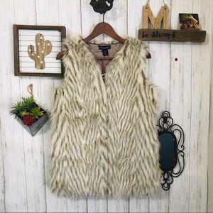 NWT Cynthia Rowley Faux Fur Vest White/brown Sz S